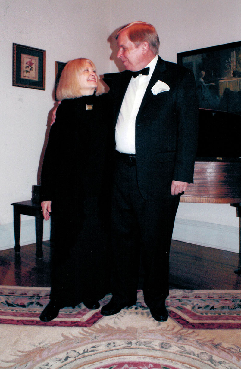 <em>Photo: Linda Kidd</em><br /> Tasker with Wife Katherine